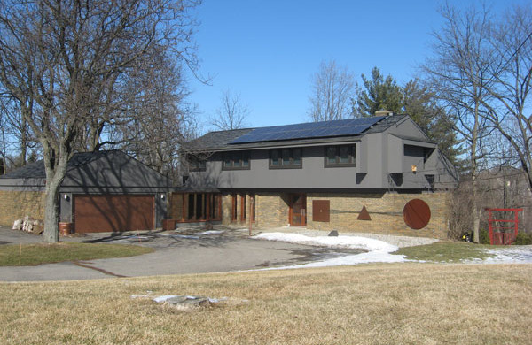 Is Solar Right for Me? - Blog Michigan Solar Solutions - img2_1-600x390